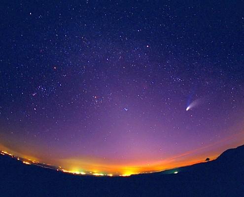 آسمان زیبای شب-معماری طبیعی نور
