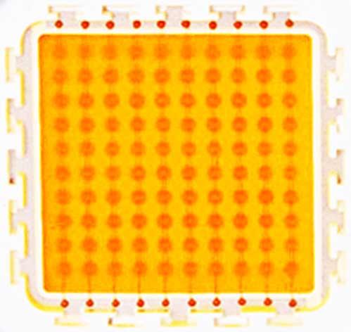 یک تصویر با کنتراست بالا از یک ال ای دی اس ام دی توان بالا High Power SMD LED Chip[