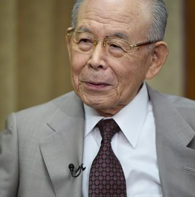isamu akasaki ایسامو آکاساکی برنده جایزه نوبل فیزیک 2014