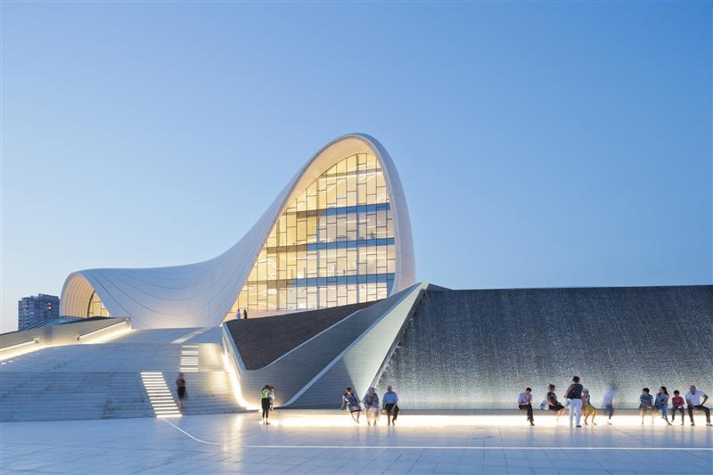 طراحی نورپردازی خارجی ساختمان مرکز فرهنگی حیدر علی اف باکو