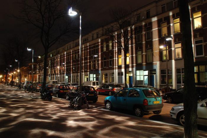"""نمایی از نورپردازی طراحی شده به نام """"نور شکسته"""" در روتردام هلند"""