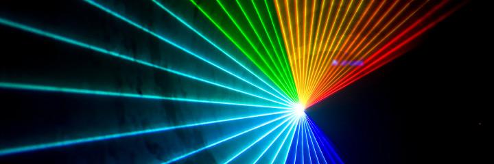یک نمونه پرتو افشانی و نورپردازی لیزری
