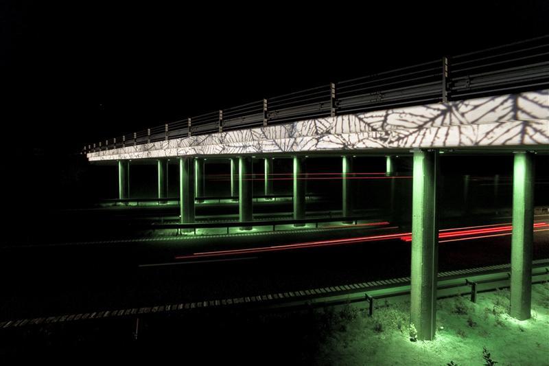 طراحی نورپردزای زیبای تقاطع غیر هم سطح Nyburg با پروژکتورهای رنگی و Gobo نمای کناری