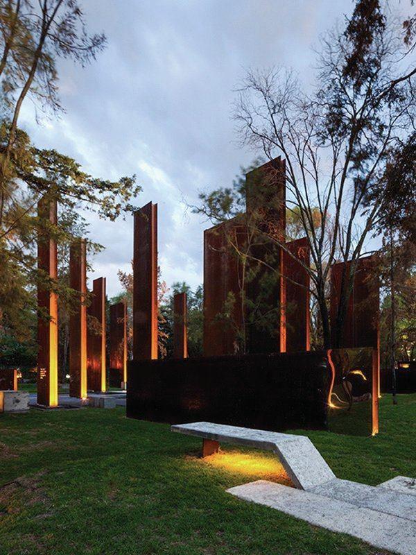 باقت های متفاوت-نورپردازی یادبود قربانیان خشونت در مگزیک