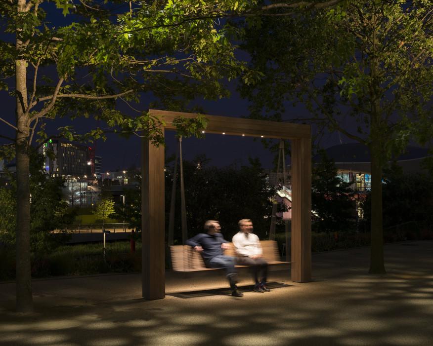 طراحی نورپردازی پارک المپیک ملکه الیزابت لندن-نورپردازی صندلی های تابی