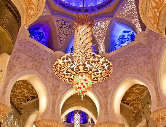 تجمل گرایی و برجسته نمایی فضای داخلی مسجد شیخ زایید-طراحی نورپردازی داخلی