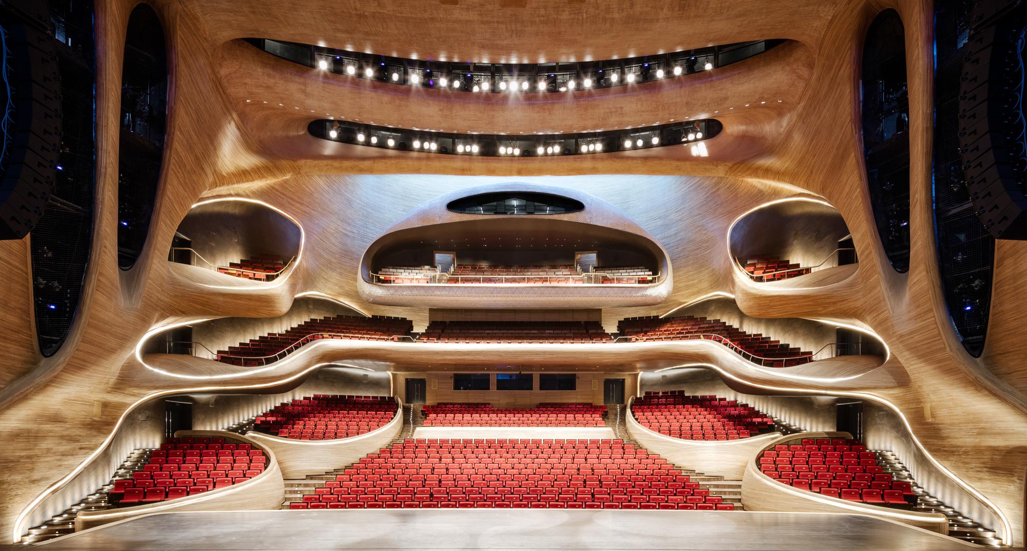طراحی نورپردازی داخلی اپرای هاربین