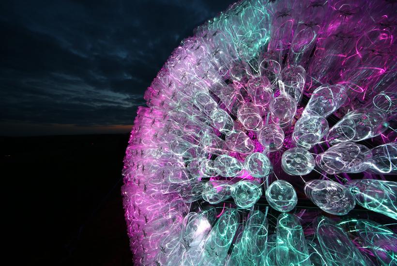 اجرای نورپردازی با المان نوری زیبا-بروس مانرو