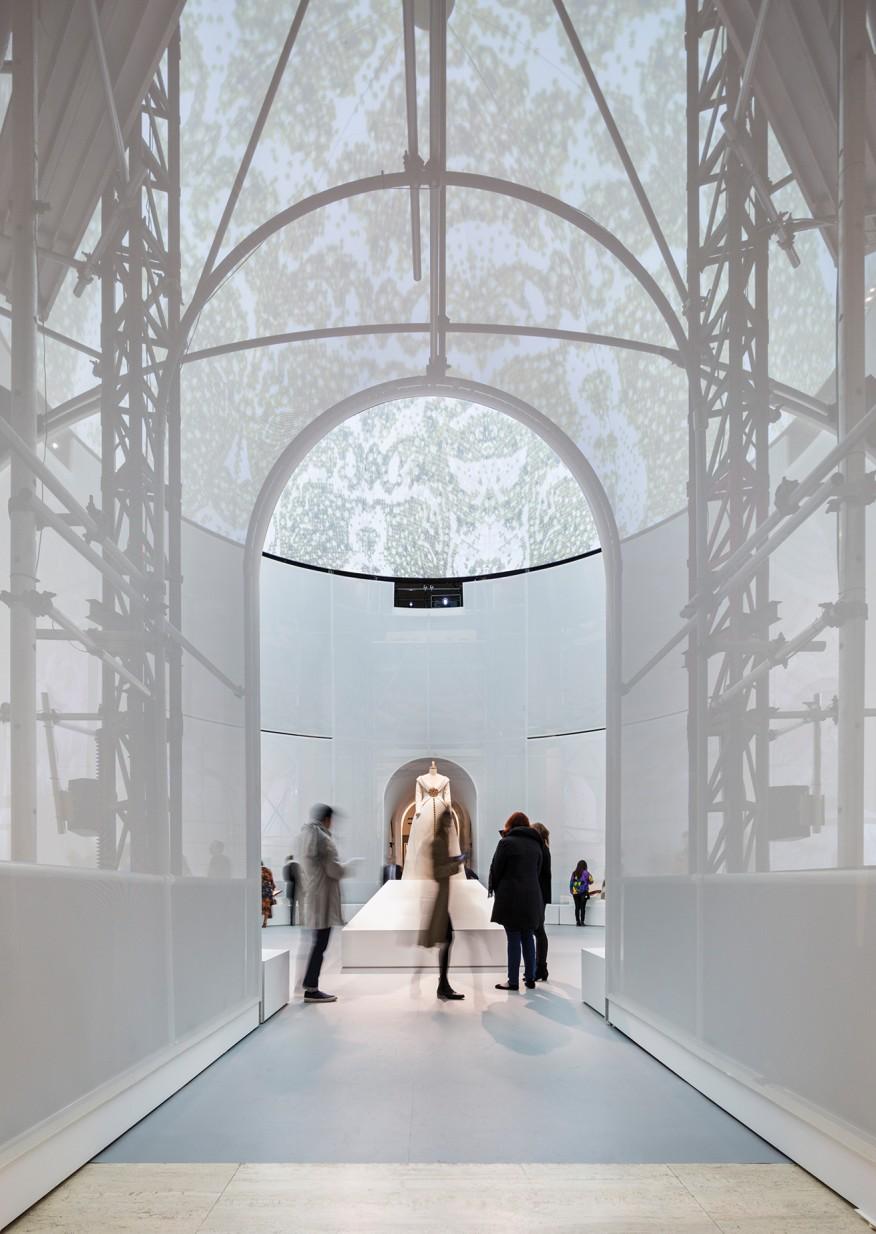 نورپردازی نمایشگاه-Albert Vecerka/EstoA نورپردازی ساختمان مدور که پیله نامیده می شود